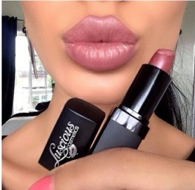 lips10